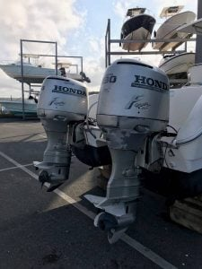 World Cat Center Console Boat Engines
