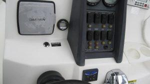 2018 Boston Whaler Dauntless Console