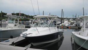 23' Wellcraft 232 Coastal at dock